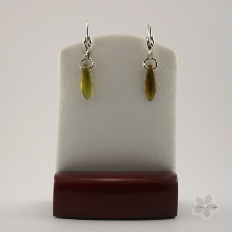 Simple Green Dagger Bead Earrings - Click Image to Close